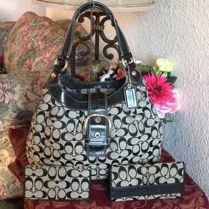 Coach soho lynn signature bag,wallet & checkbook